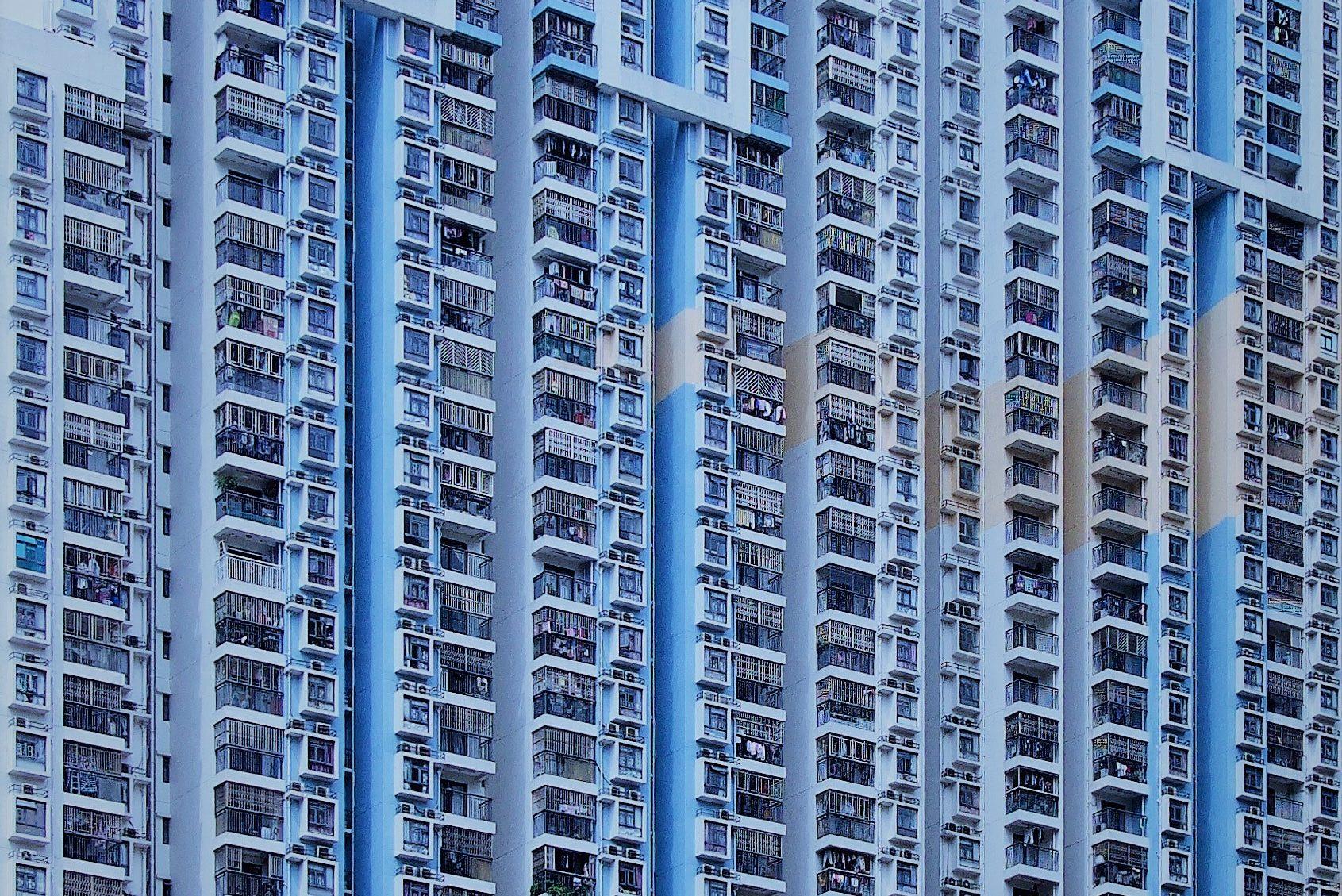 großer Wohnblock - Baubescheid